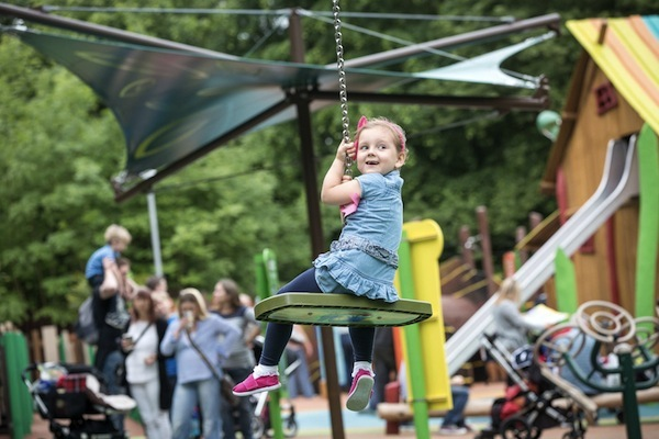 Russell_Play_Alton-Towers-girl-on-swing-49