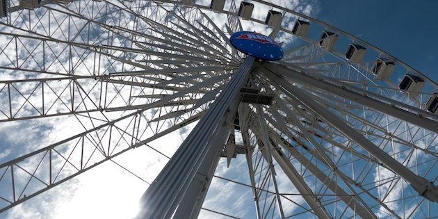 USA's tallest travelling wheel towers over Texas